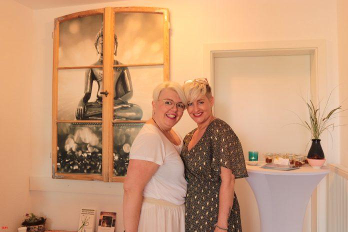 Katharina Paschek & Natascha Krishnasamy